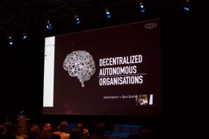 Decentralized Autonomous Organisations. Decentrale Autonome Organisaties en privacy. DAO.