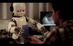 A robot learning skills. Singularity. Een lerende robot. Singulariteit.