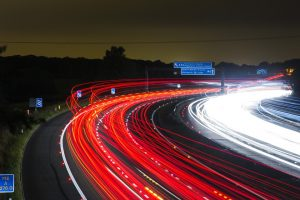 Traffic on a highway in the evening. Avondverkeer op de snelweg.