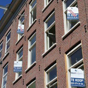 Houses for sale. Buying a house and smart contracts. Huizen te koop. Hypotheken en slimme contracten.