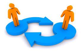 Two people standing on different arrows with are pointing to each other. It symbolises the exchange and sending of Ether. Twee mensen die op verschillende pijlen staan die naar elkaar wijzen. Het symboliseert de uitwisseling en verzending van Ether.