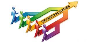 Decentralisatie. Meerdere individuen die meebeslissen over de toekomst van een onderneming of instelling.