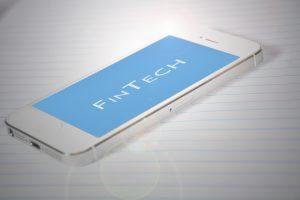 FinTech, smartphone, blockchain opleidingen.