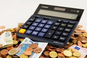 Rekenmachine, geld. De cursus van Alex van Groningen is zeer geschikt voor controllers.