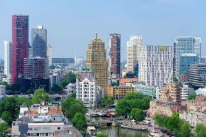 Rotterdam skyline, data distributie binnen de smart city, Streamr